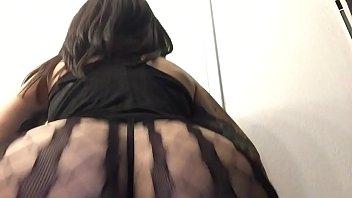 tgirl @journeyvik twerking showing ass off.
