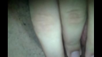 novinha safada manda video da siririca para o namorado