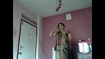 indian girl chetna forget her penty.