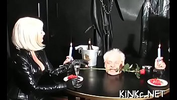 mistress stretches slave&#039_s gazoo