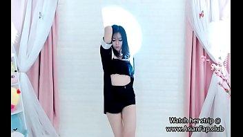 asian cam girl (non nude)