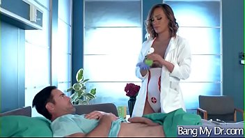 (kiera rose) patient and doctor in hardcore sex.