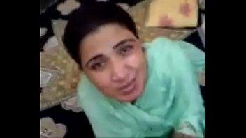 pakistani aunty sucks and fucks young.