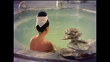 the imperial consort yang has a bath in.