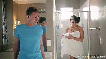 brazzers - step son catches (reagan foxx) in.