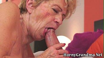 old lady jizzed by shlong