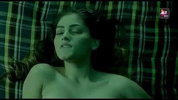 bollywood actress suveen chawla in lesbians.