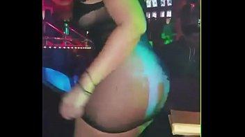 Colombiana prepago bailando rico en discoteca de medellin