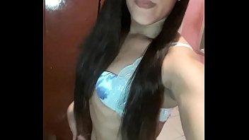 pistoludas.com ⋆ boneca tirando selfie &quot_cachorrinho&quot_