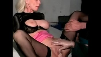 crazyamateurgirls.com - i am pierced mature slut with.