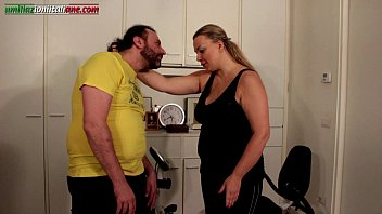 the carrier ep1 first- bbw foot.