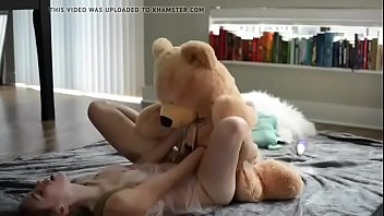 sweet teen blonde fuck her teddy bear- watch.