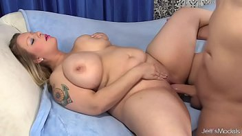 big boobed bbw sinful samia sucks.