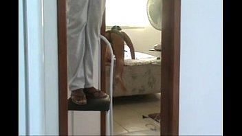 mulher do corno se exibindo sem calcinha para.