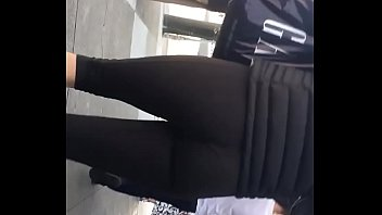 booty leggings lady 5