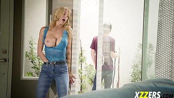 alexis fawx in part time job.