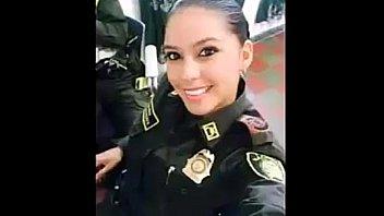 la policia que se volvi&oacute_ famosa por su.