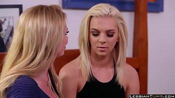lesbian neighbor brianna banks &amp_ tiffany watson - lesbiancums.com