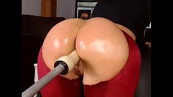 gorgeous ass gets fucked with fuck machine -.