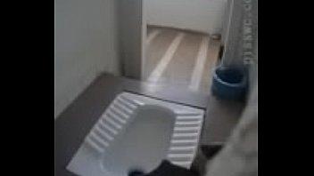 pretty women peeing