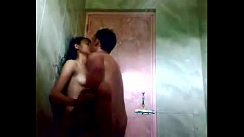 indian teen in shower with her bf. free.
