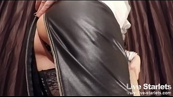sexy milf cougar in stockings showing her hot ass