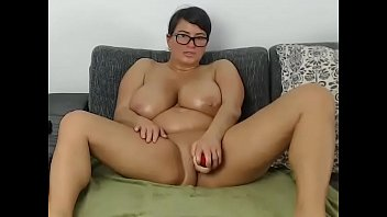 busty chubby milf toying pussy for cumming free show