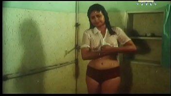 unknown actress hot shower bath movie-vannathu.