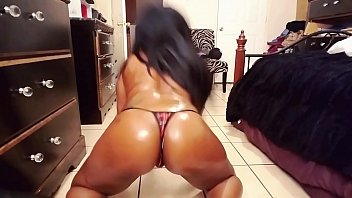 oiled up dancing to young scooter