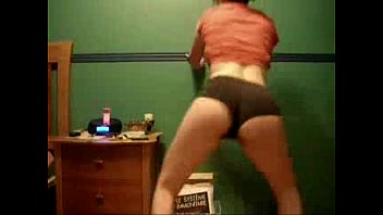 sexy babe girl doing the donk.