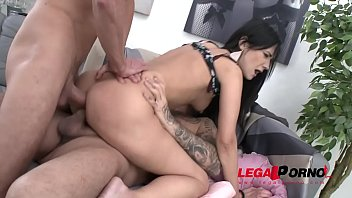 tasty badgirl angie moon 1st time to gonzo.