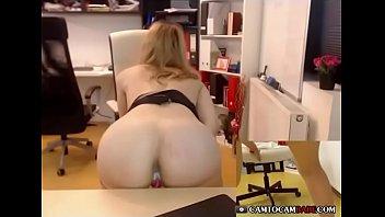 blonde girl cummed creampie pussy so.