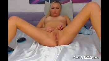 blonde camslut wants more viewers