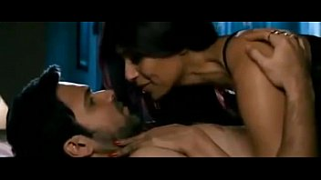 bipasha basu and emraan hashmi hot scene in.