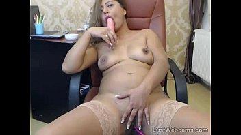 latin milf toys herself on cam