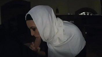 hooded arabian ho suckin dong pov