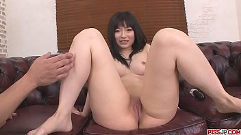 toys fucking hina maeda pussy makes her squirt.