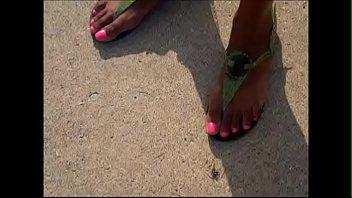 hood milf pink toes