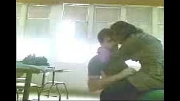 indian college students sucking &amp_ fucking in class room