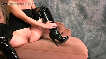 big tits babe in leather boots.
