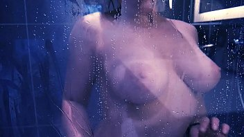 masturbation sous la douche &ndash_ purple.