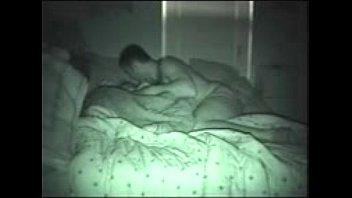 pareja pillada con camara nocturna