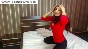 haram arab woman in hijab www.roundcams.com