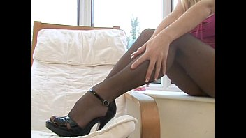 michelle thorne pantyhose tease