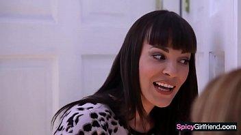 bad lesbian #02 - very troubled girls, odette delacroix