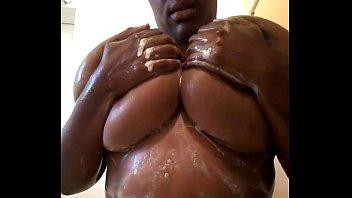 big wet tits @brooklynstonerr89 is her.