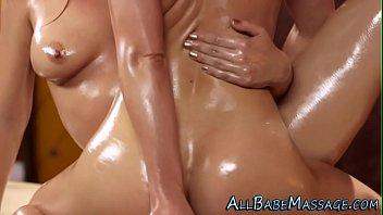 tribbing lezbian massage