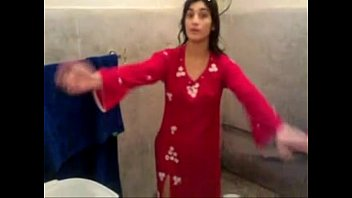 3189301 desi paki after shower