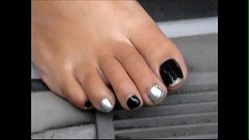 hood milf black &amp_ silver toes