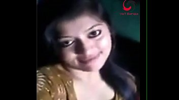 www.desichoti.tk presents bangladeshi girl sexposing clevage on video.